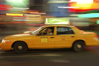 Surprinsi in timp ce faceau sex in taxi. Doi chinezi au incitat imaginatia soferilor. FOTO