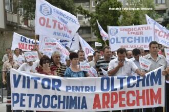 Angajatii Oltchim protesteaza marti la sediul Guvernului