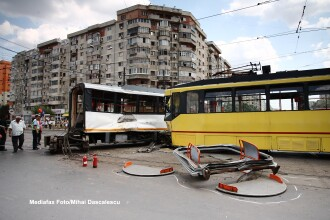 Doua tramvaie s-au ciocnit la Galati. Cinci femei au fost ranite