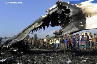Tragedie aviatica in Nepal. Un avion s-a prabusit, iar toti pasagerii au murit. VIDEO