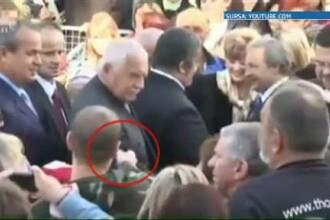 Presedintele Cehiei, amenintat cu un pistol de jucarie. Vaclav Klaus si-a desfiintat garzile de corp