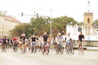Pedaleaza pentru Poli! Pana in Liga I e cale lunga, dar timisorenii au luat startul pe biciclete
