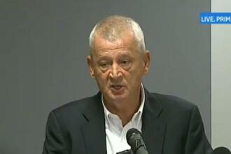 Sorin Oprescu cere referendum pe tema eutanasierii maidanezilor.