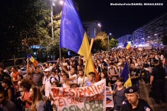 15.000 de protestatari fata de proiectul Rosia Montana au blocat azi noapte Piata Universitatii
