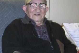 A murit cel mai batran barbat din lume. Cum arata la varsta de 112 ani. FOTO