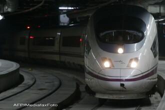 Cel putin 20 de raniti, dupa ce doua trenuri s-au ciocnit in gara din Barcelona