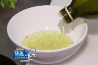 Cum puteti prepara sosuri sanatoase si naturale. Care este reteta ideala pentru mujdeiul de usturoi