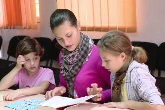 Criza centrelor de plasament din Romania. Numai in Moldova sunt peste 15.000 de prunci parasiti