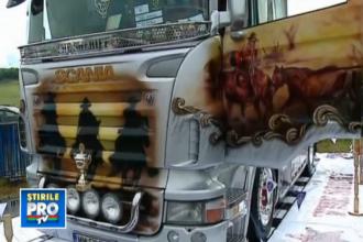 Zeci de camioane si motociclete personalizate au participat la un concurs de frumusete