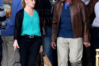Gestul care confirma ca Arnold Schwarzenegger are o noua iubita. Cum l-au pozat paparazzi. FOTO