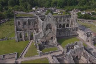 Castele medievale din Tara Galilor, promovate cu ajutorul dronelor.