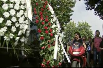 Tanarul ucis la o cursa ilegala de motociclete, inmormantat. Intrebarea de pe buzele prietenilor: