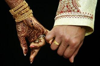 Motivul pentru care o tanara din India a fost obligata de parinti sa se marite cu un maidanez.