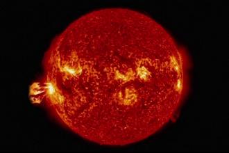 Un val puternic de radiatii va lovi sambata Pamantul, dupa doua furtuni solare. Riscurile la care este expusa planeta. VIDEO