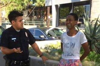 Politia din Los Angeles a confundat o actrita de culoare cu o prostituata, in timp ce se saruta cu sotul ei, alb. Ce a patit