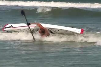 Radu Mazare, salvat de bodyguarzi dupa ce s-a rasturnat cu o canoe.