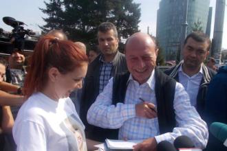 Presedintele Basescu a semnat pentru candidatura Elenei Udrea in alegerile prezidentiale