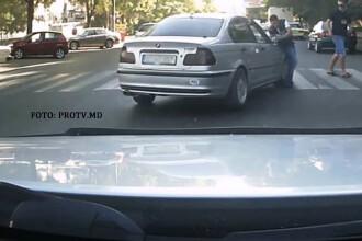 Smecher cu BMW, varianta de Moldova. A intrat INTENTIONAT intr-un pieton care traversa regulamentar