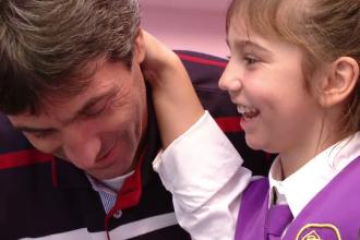 Kassandra, fetita adoptata de Iosif Rotariu, a trecut prin 37 de operatii si se pregateste de inca una