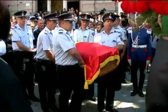 Pompierul din Constanta, inmormantat cu onoruri militare. Mesajul emotionant transmis de colegii lui din toata tara