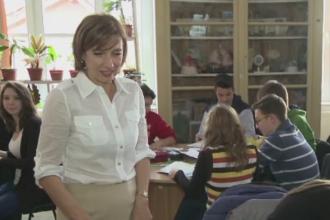 Carmen Iohannis se intoarce la catedra sa predea engleza. Singurul lucru care se va schimba pentru prima doamna la ore