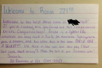 Surpriza de care a avut parte un student in camera de camin. Ce a descoperit intr-un compartiment secret din perete. FOTO