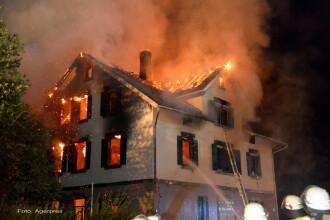Doua centre pentru imigranti din Germania, distruse de incendii cu cauza SUSPECTA. Cinci persoane, ranite si duse la spital
