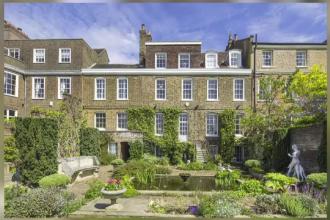 Celebrul bucatar Jamie Oliver si-a cumparat o vila de lux impresionanta, in Londra. Suma impresionanta pe care a cheltuit-o