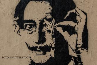 Omul care aduce cartea: Salvador Dali,