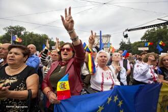 Protestatarii din Chisinau vor sa declanseze o greva generala si