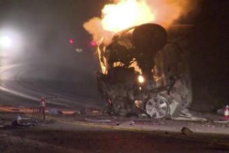 O masina a luat foc imediat dupa ce soferul a incercat sa evite un accident. Autoturismul s-a facut scrum