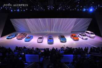 SUV-ul care a impresionat-o si pe regina Marii Britanii, prezentat la Frankfurt. Numai optionalele costa 200.000 de euro