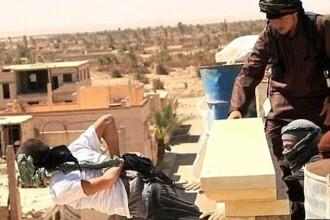 Noua executie a Statului Islamic. Jihadistii au impuscat 9 barbati si un baiat de 15 ani pentru ca ar fi fost homosexuali