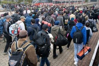 Hollande vrea o conferinta ONU pentru Siria, pentru a stopa valul de migranti. Solutia: tabere in Turcia, Iordania sau Liban