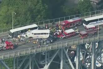 Grav accident in Seattle. Patru morti si 12 raniti grav dupa ce un autobuz a lovit o masina si un autocar plin cu studenti