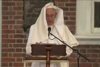Papa Francisc a cerut sa vada din elicopter Statuia Libertatii si Ellis Island. Vantul i-a creat, din nou, probleme