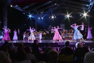 Peste 10.000 de oameni s-au bucurat de un spectacol grandios de balet, la Iasi. Evenimentul s-a incheiat cu artificii