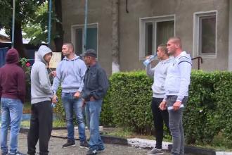 Patru tineri au fost retinuti in judetul Gorj, dupa ce ar fi incendiat o masina.