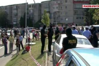 Un barbat din Mehedinti s-a baricadat in masina cand a fost prins de politisti. Ce au descoperit in masina lui