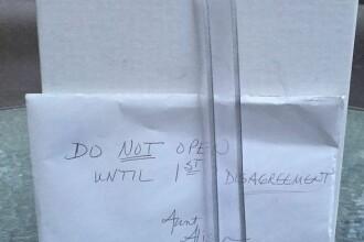 In ziua nuntii, au primit un plic pe care scria