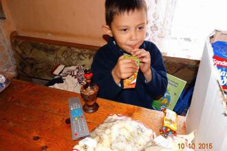 Trei tineri din Timis merg pana in Muntenegru pe biciclete pentru a ajuta copiii nevoiasi. Cum puteti sustine actiunea lor