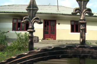 Criza de gelozie, intr-un sat din Vaslui. Si-a incendiat casa si i-a rupt mana celui care a sunat la pompieri