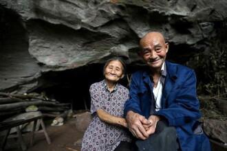 Un cuplu din China traieste de 54 de ani intr-o pestera, impreuna cu cei patru copii. De ce refuza sa plece de acolo