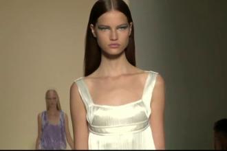 Propunerile indraznete ale Victoriei Beckham si Verei Wang la Saptamana modei de la New York. Cine a participat la show