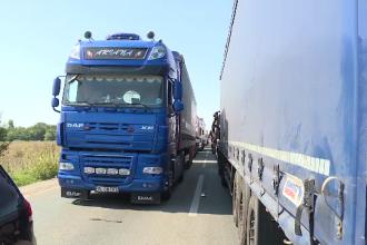 Transportatorii români vor protesta joi în faţa Parlamentului European