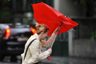 Toamna vine brusc din aceasta dupa-amiaza. Ploi, vijelii si temperaturi scazute in toata tara, de duminica pana marti seara