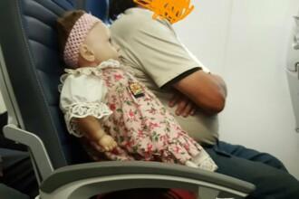 A fost ingrozita. Ce a gasit o femeie pe saunul de langa ea, din avion, atunci cand s-a trezit
