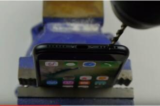 Multi posesori de iPhone 7 si-au distrus telefonul dupa ce au vizionat o farsa.