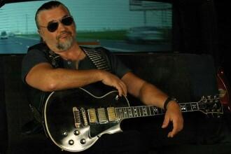 Dan Andrei Aldea si Nicu Covaci canta blues la Hard Rock Cafe: