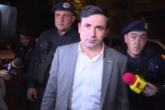 Suma primita de deputatul PMP Adrian Gurzau pentru a amana falimentul firmei de asigurari Carpatica. Procurorii cer arestarea